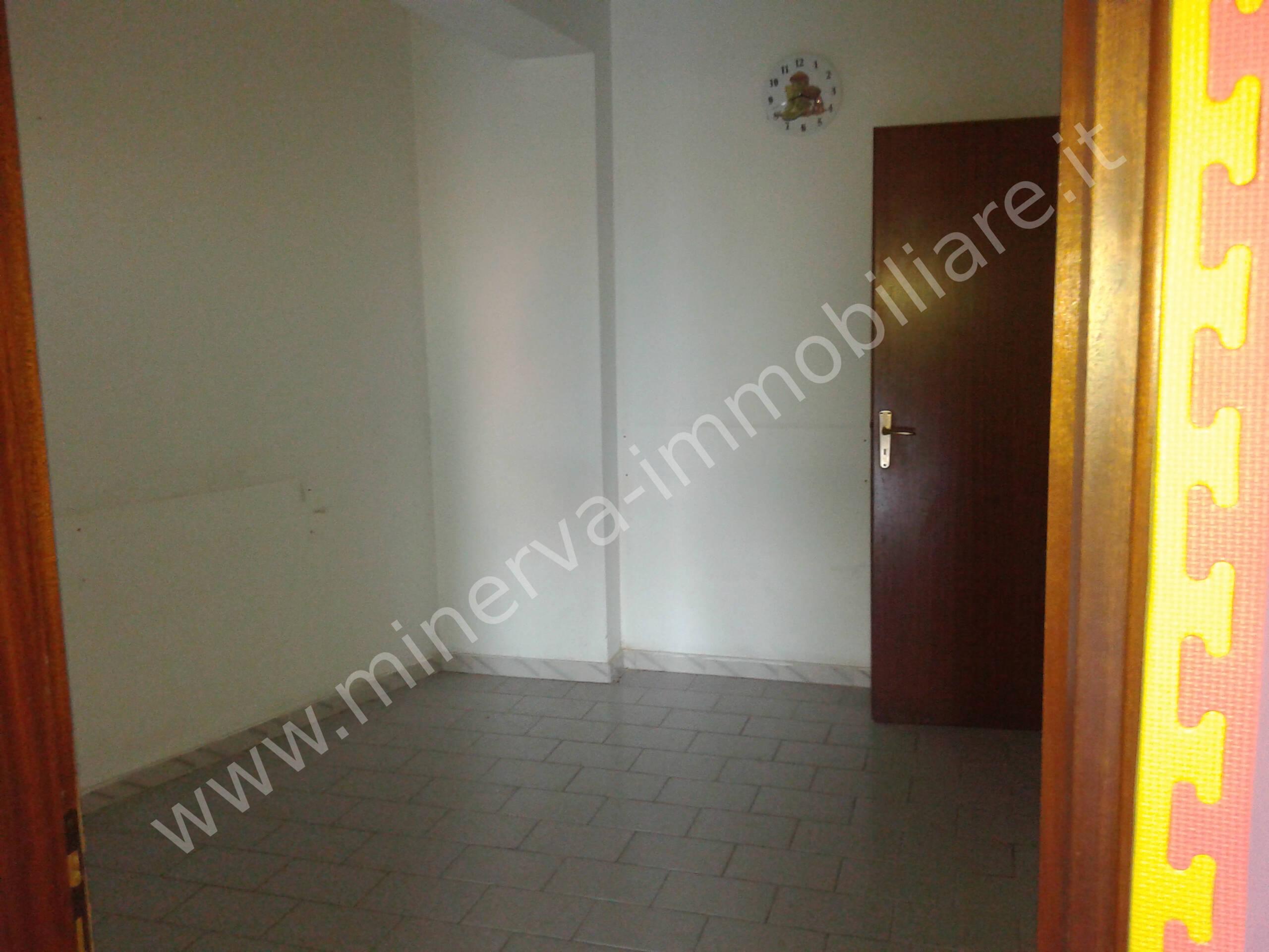 Locale in vendita/affitto Carlentini Santuzzi
