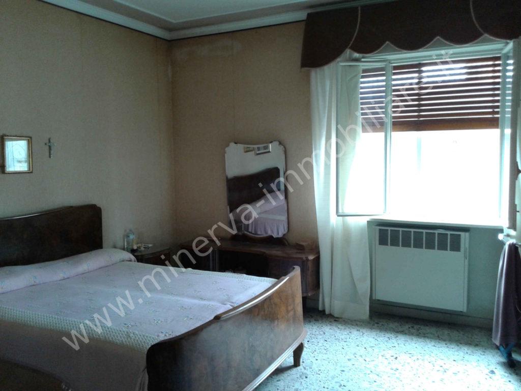 Vendita appartamento cinque vani Carlentini