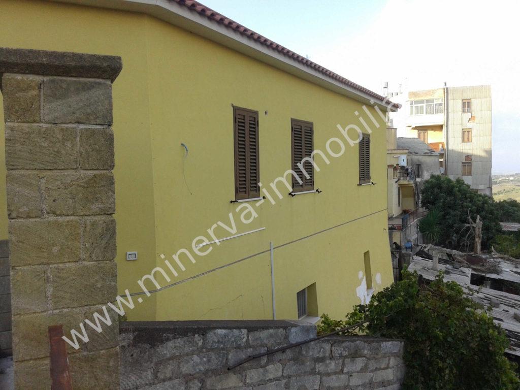 Casa con terreno in vendita Carlentini