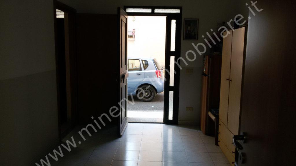 Casa indipendente con garage in vendita Carlentini